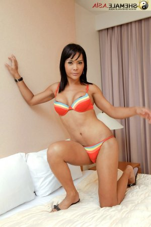 Chahnez escorts in Lowell, IN
